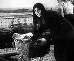 B. Vitoldi as la femme au landau