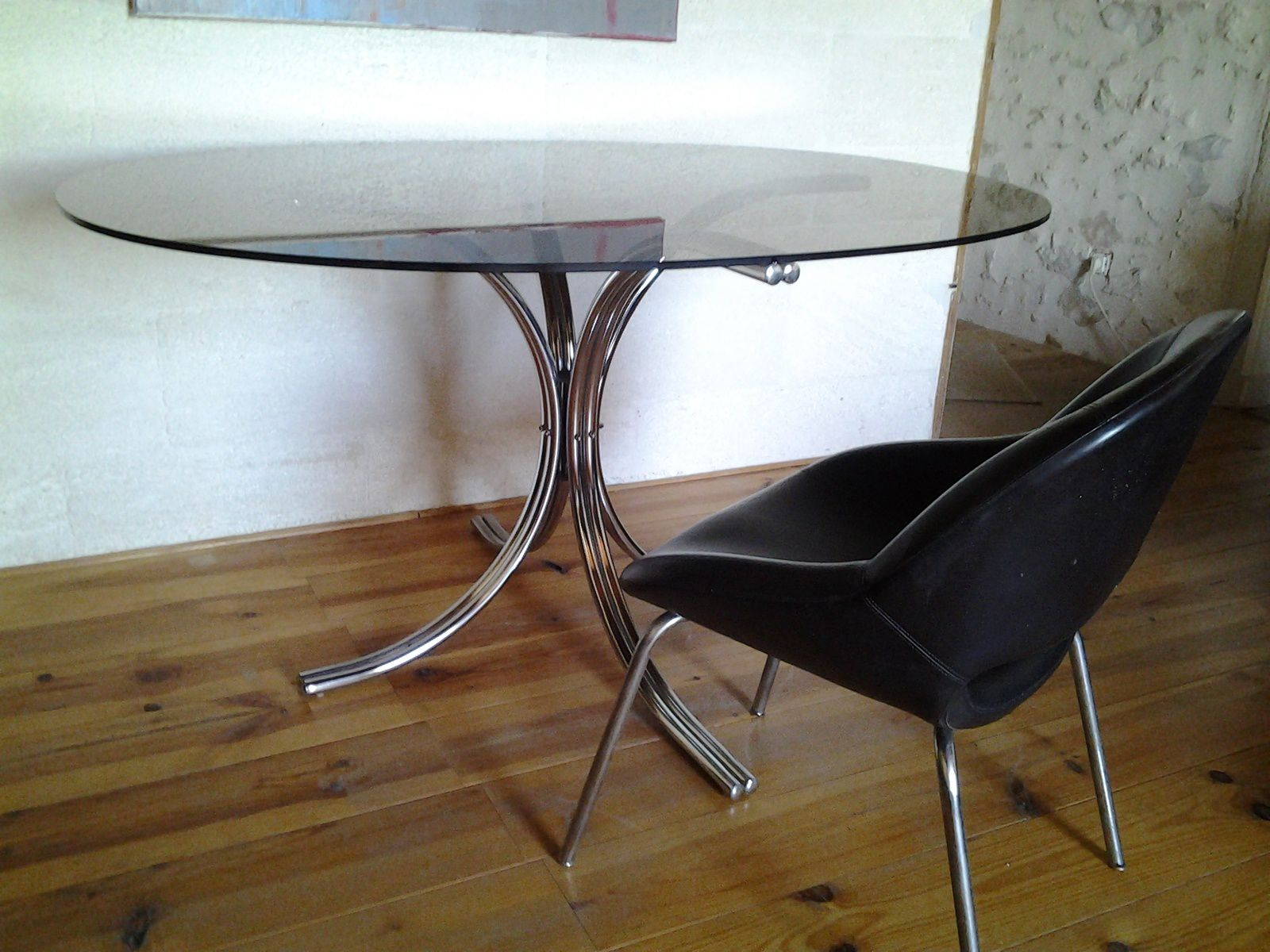 Table design vintage ann es 70 chrome et verre ovale for Table scandinave verre