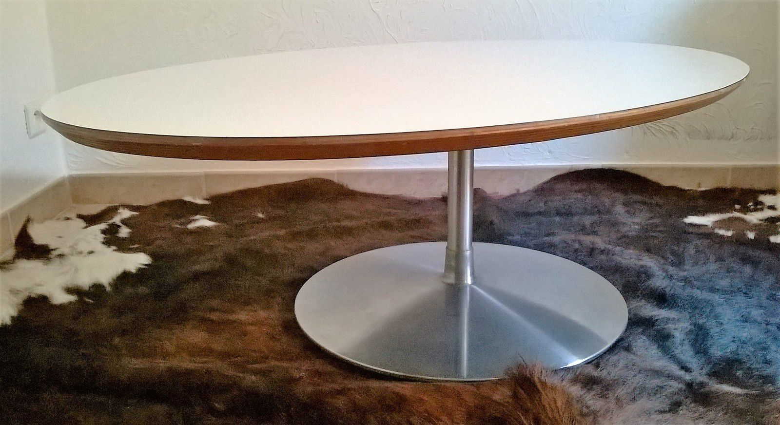 table circle pierre paulin design 1960 artifort vente de mobilier vintage design scandinave. Black Bedroom Furniture Sets. Home Design Ideas