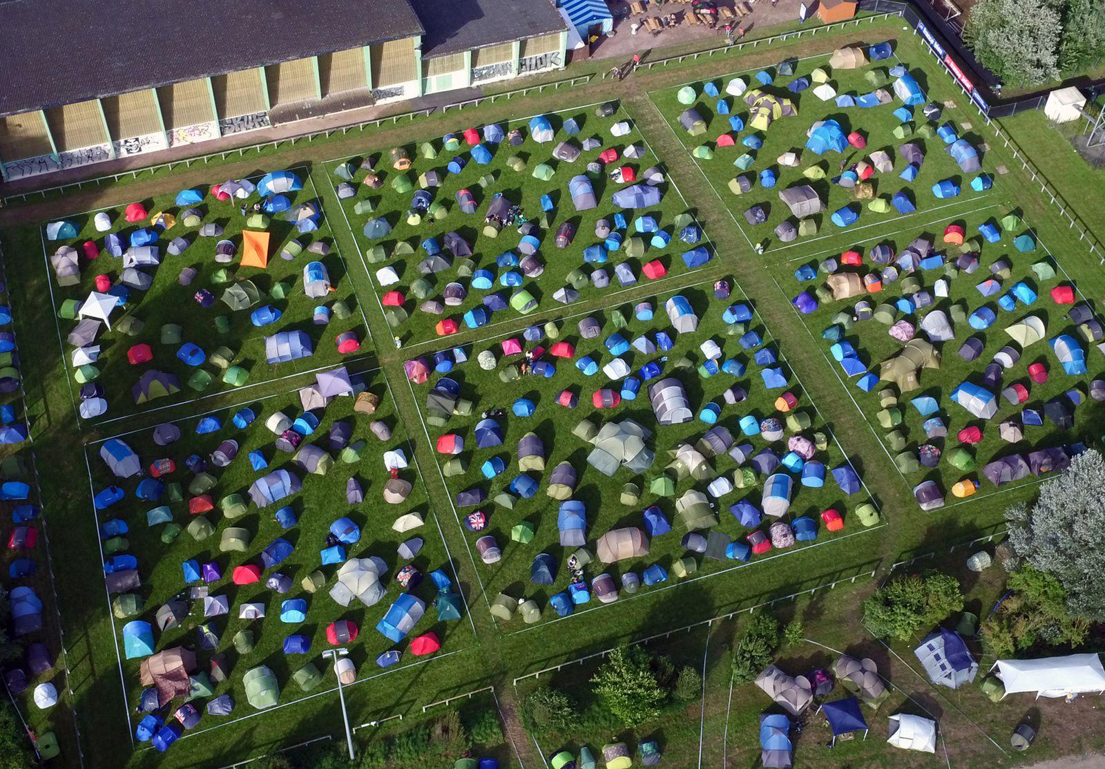 Toute la lumière vue du ciel sur l'édition 2016 du Festival de Beauregard. Photos aériennes François Monier, juillet 2016