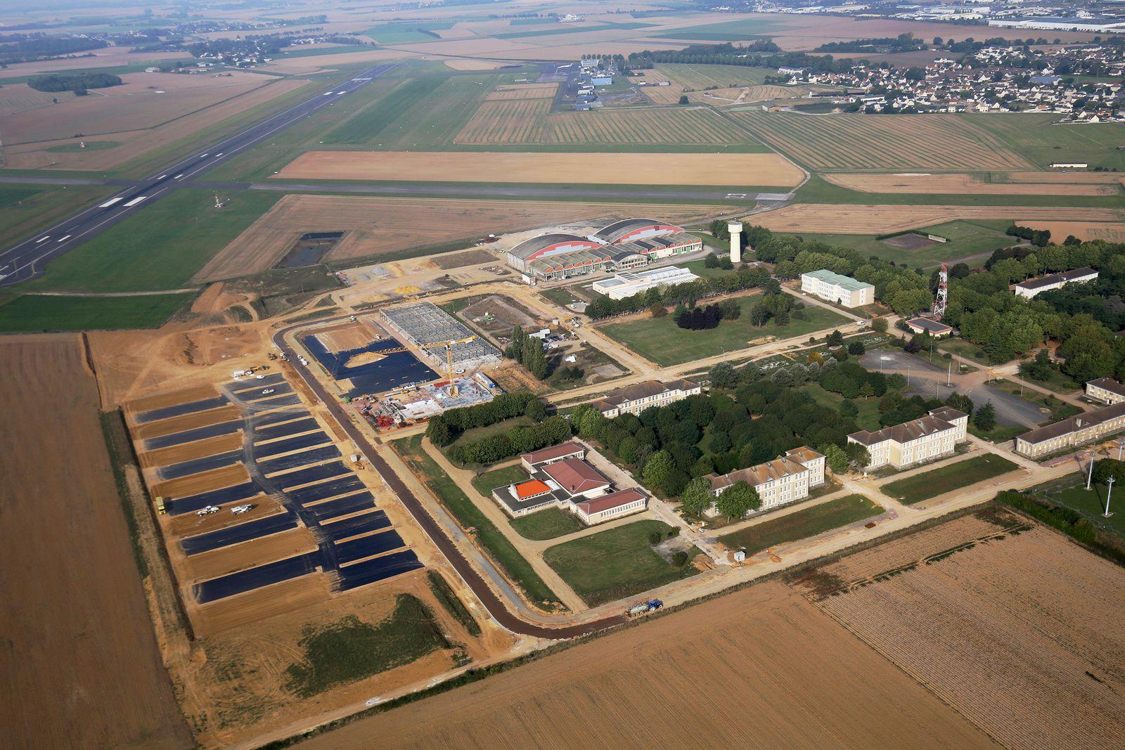 Début de réhabilitation du quartier Koenig à Carpiquet. Photo aérienne François Monier