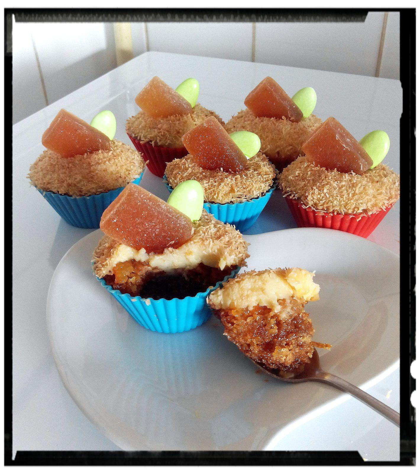 Cupcake fondant à l'orange à la crème au rhum et coco grillée et pâte de fruit maison