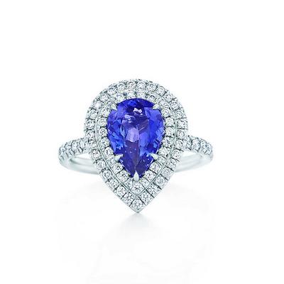 La collection Soleste de Tiffany, bague et boucles d'oreilles en platine,diamants et tanzanite