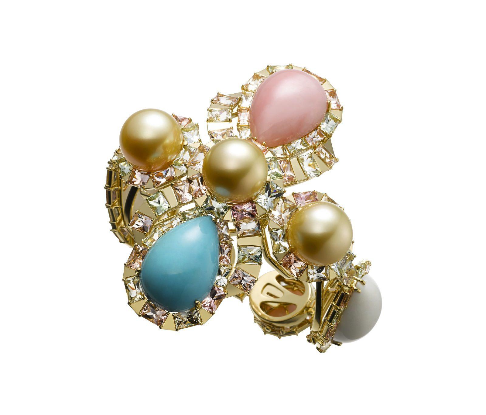 Bracelet transformable en or jaune 18 carats, perles Gold, cacholong, opale rose, turquoise et tourmalines multicolores © Atsuko Sano