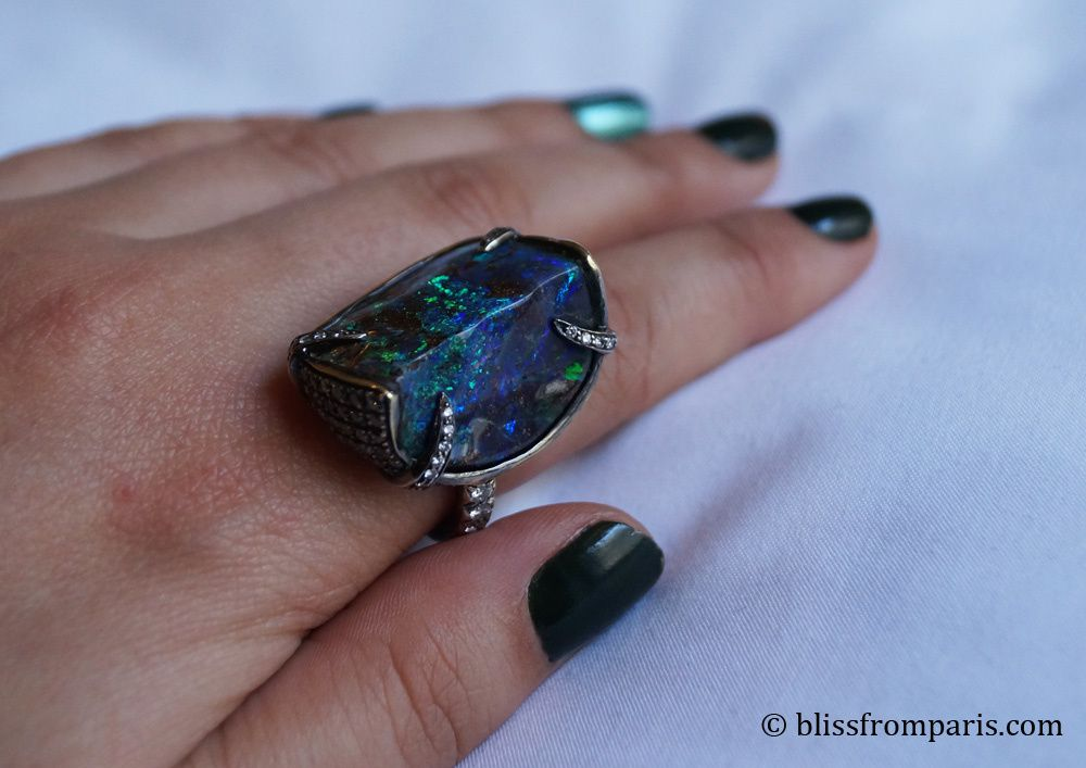 Bague, opale, diamants © Bliss from Paris