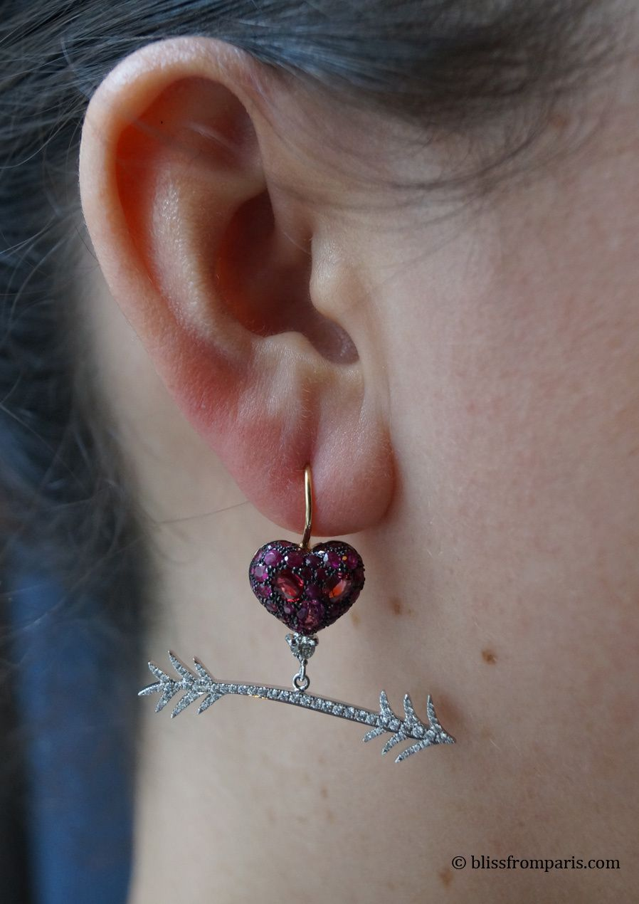 Boucles d'oreilles, spinels, rubis, diamants © Bliss from Paris
