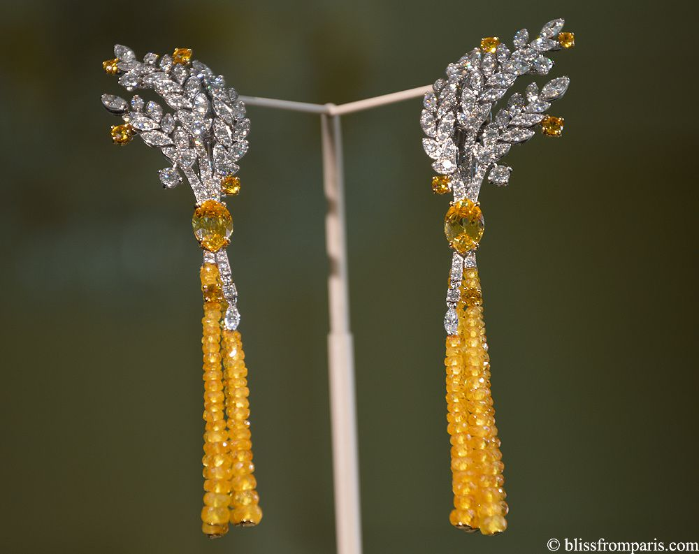 "Boucles d'oreilles ""Moisson d'Or""  de Chanel, or blanc et jaune,saphirs jaunes, diamants © blissfromparis.com"