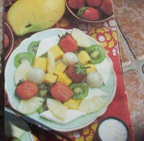 FRUITS A LA GELÉE D'AMANDE