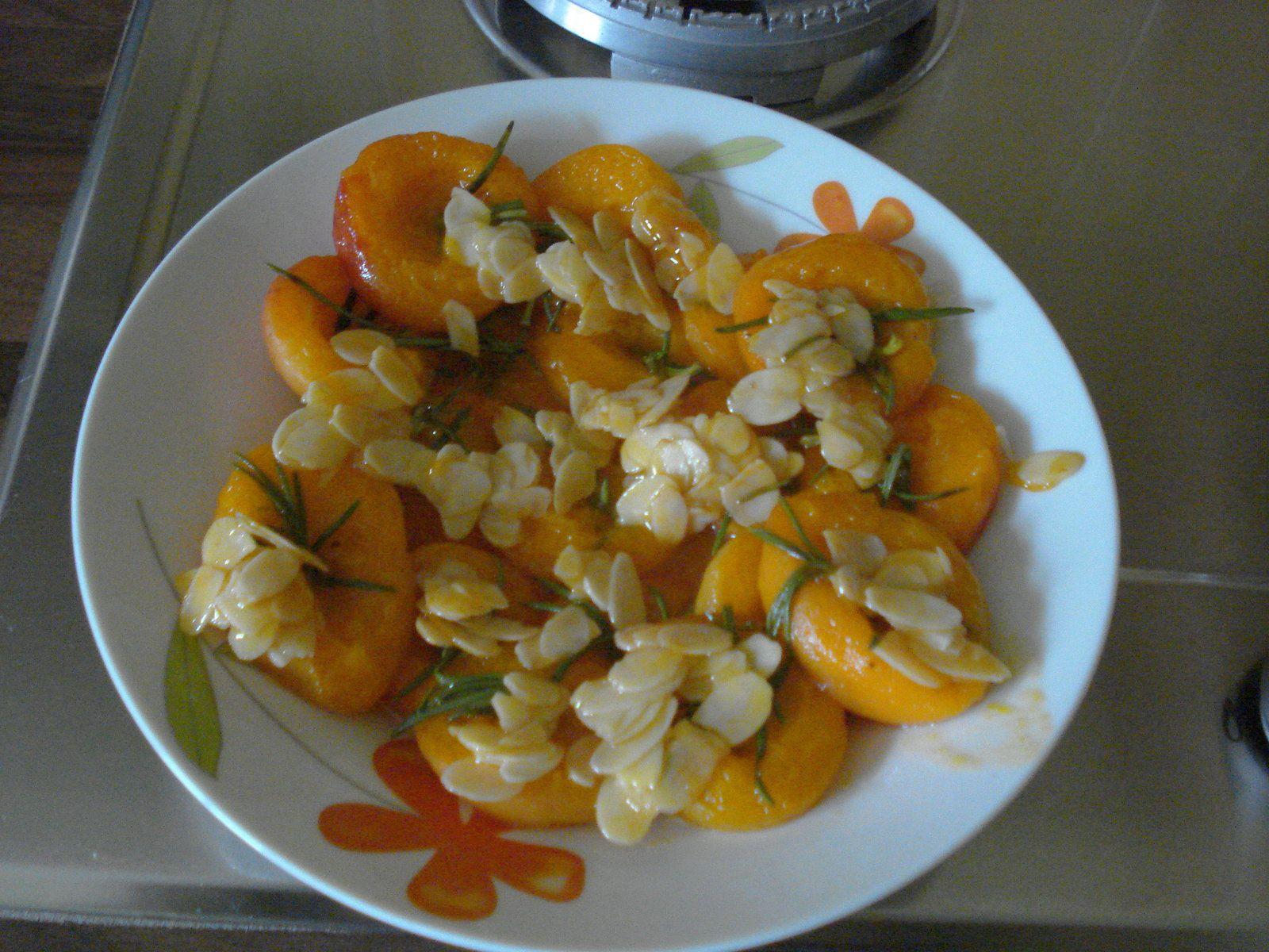 Abricots rotis au romarin