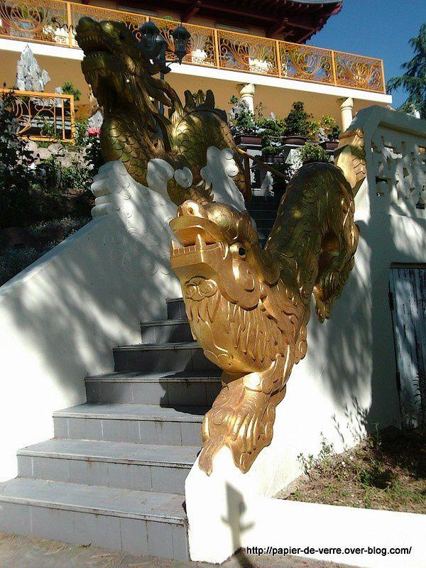 Le dragon, sujet récurrent dans la culture et la religion bouddhistes