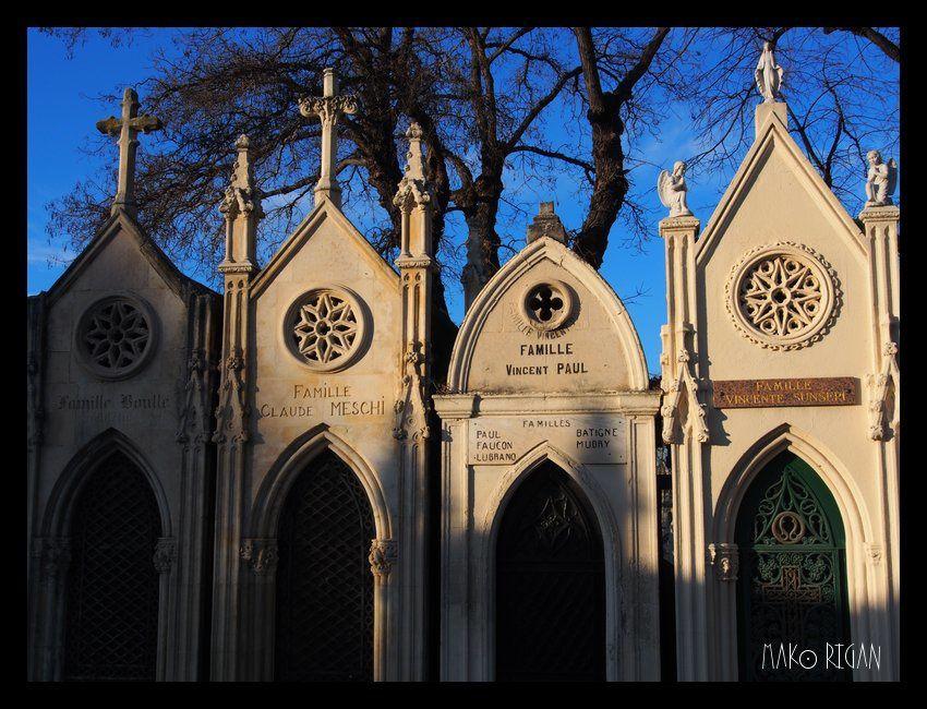 Balade au cimetière Saint-Pierre (Marseille)