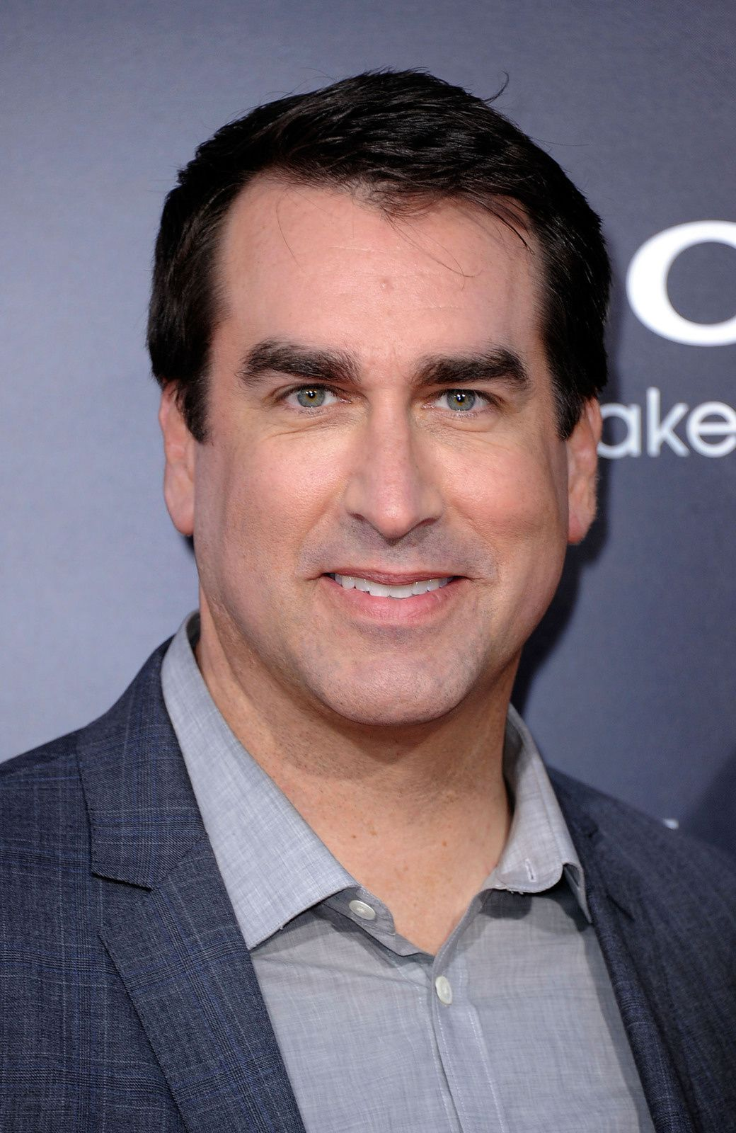Rob Riggle sera Frank West dans Dead Rising : Watchtower