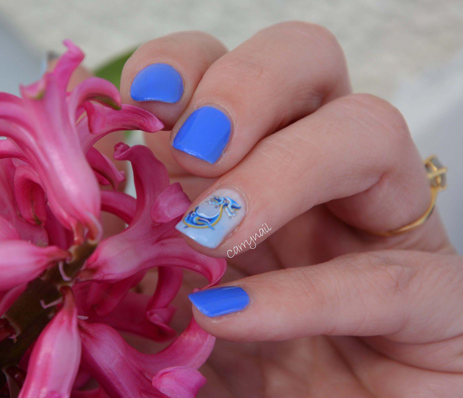 Bleu fabuleux et son dauphin