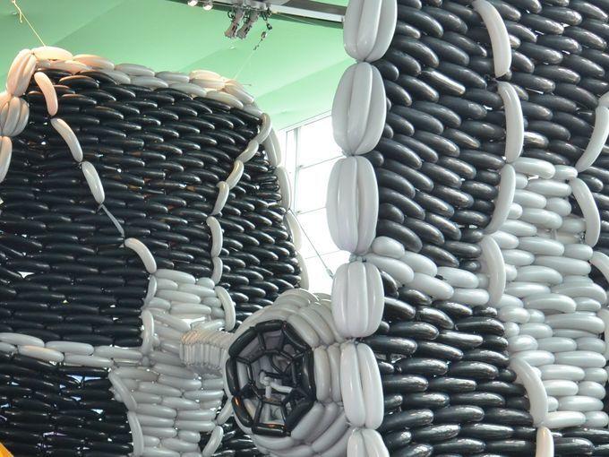r aliser le tie fighter star wars en ballon sculpter tout l 39 univers de la d co ballon. Black Bedroom Furniture Sets. Home Design Ideas