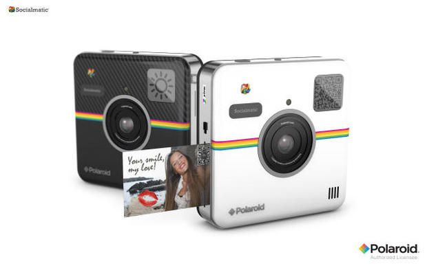 Cámara digital que imprime fotos autoadhesivas
