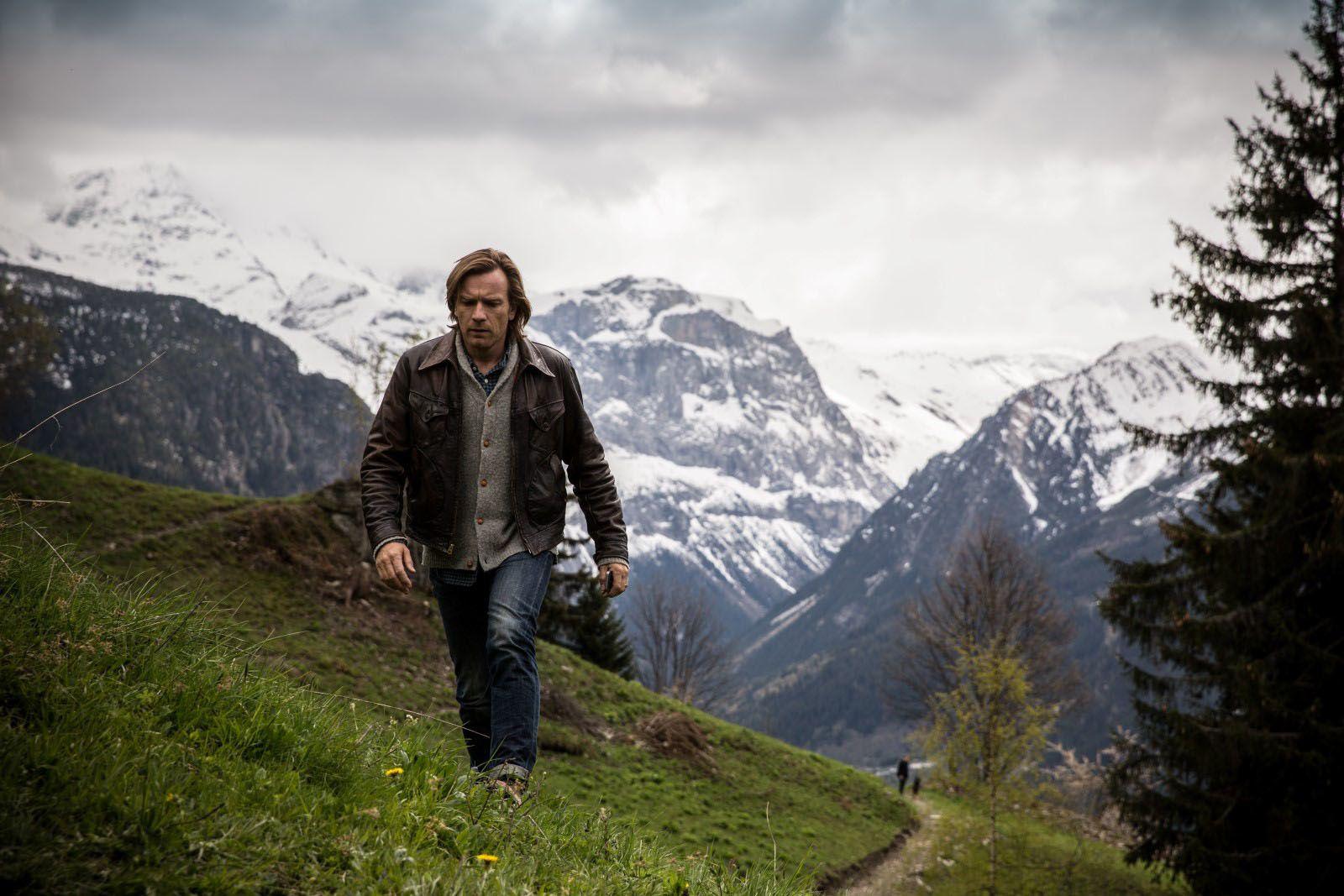 (Ewan McGregor sur le tournage de Un traitre idéal à Pralognan-la-Vanoise)