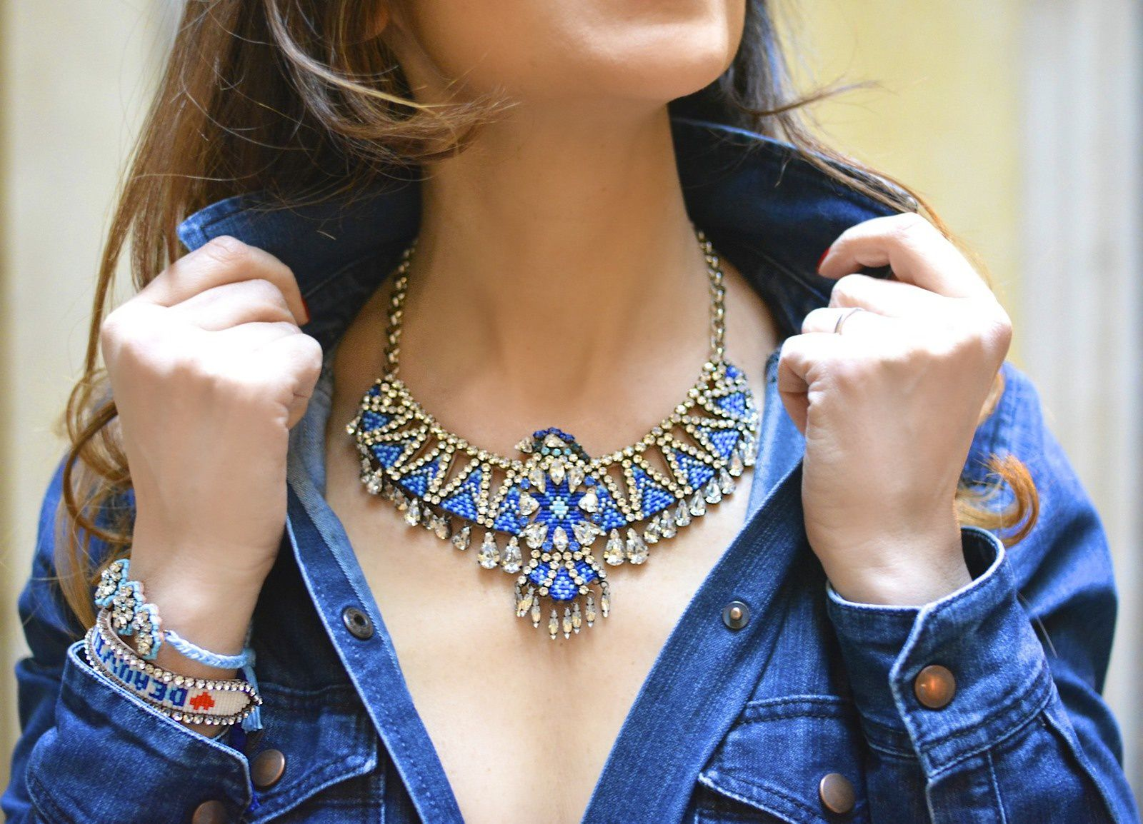 Le PHENIX NECKLACE BLUE de SHOUROUK