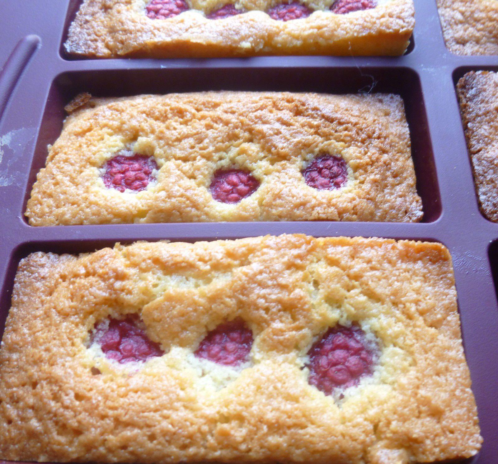 mini-cakes aux coco/framboises