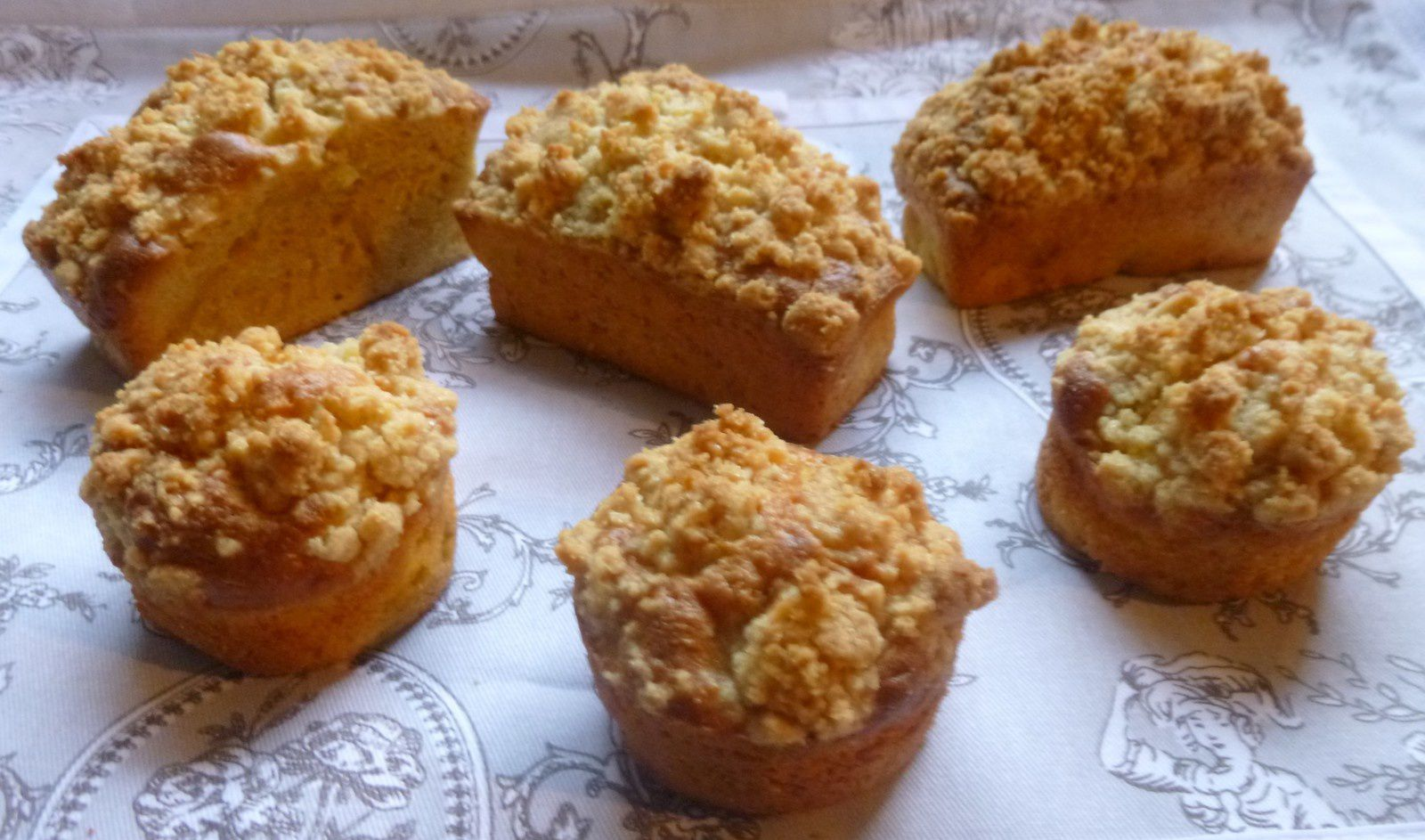 muffins ou mini-cakes pomme-cannelle-crumble