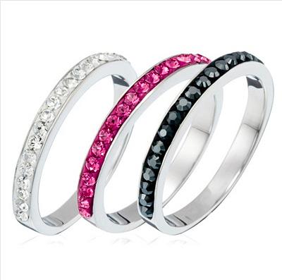 8. Craquer sur une vente Crystal Color de trois bagues dont je rêve depuis... pfiiiuuuuu...