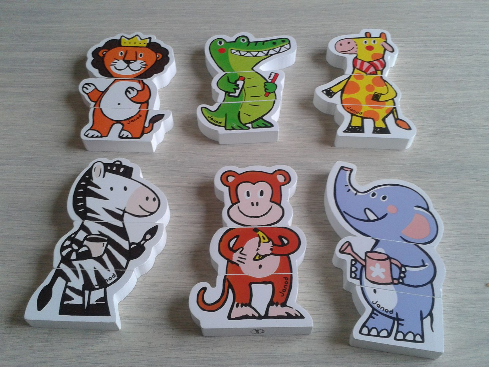 Funny magnets jungle