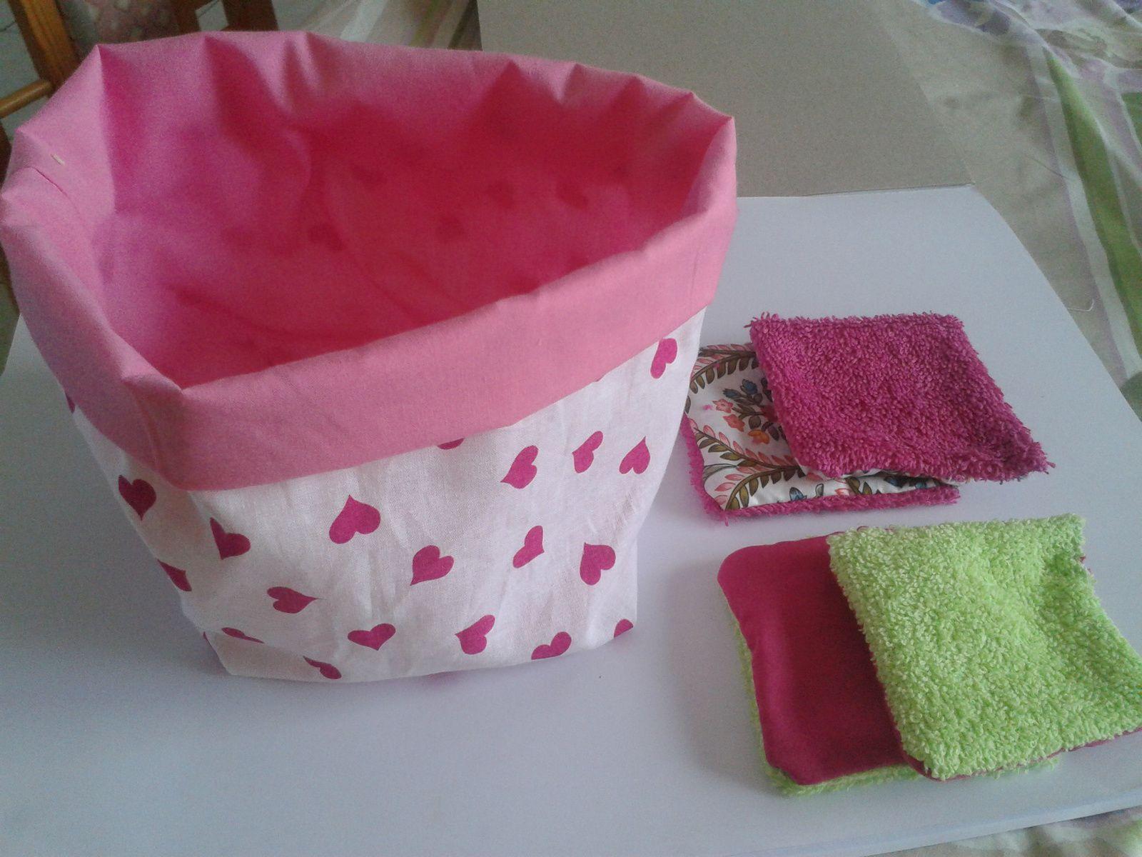lot a gagner : panier en tissu et 4 lingettes lavables