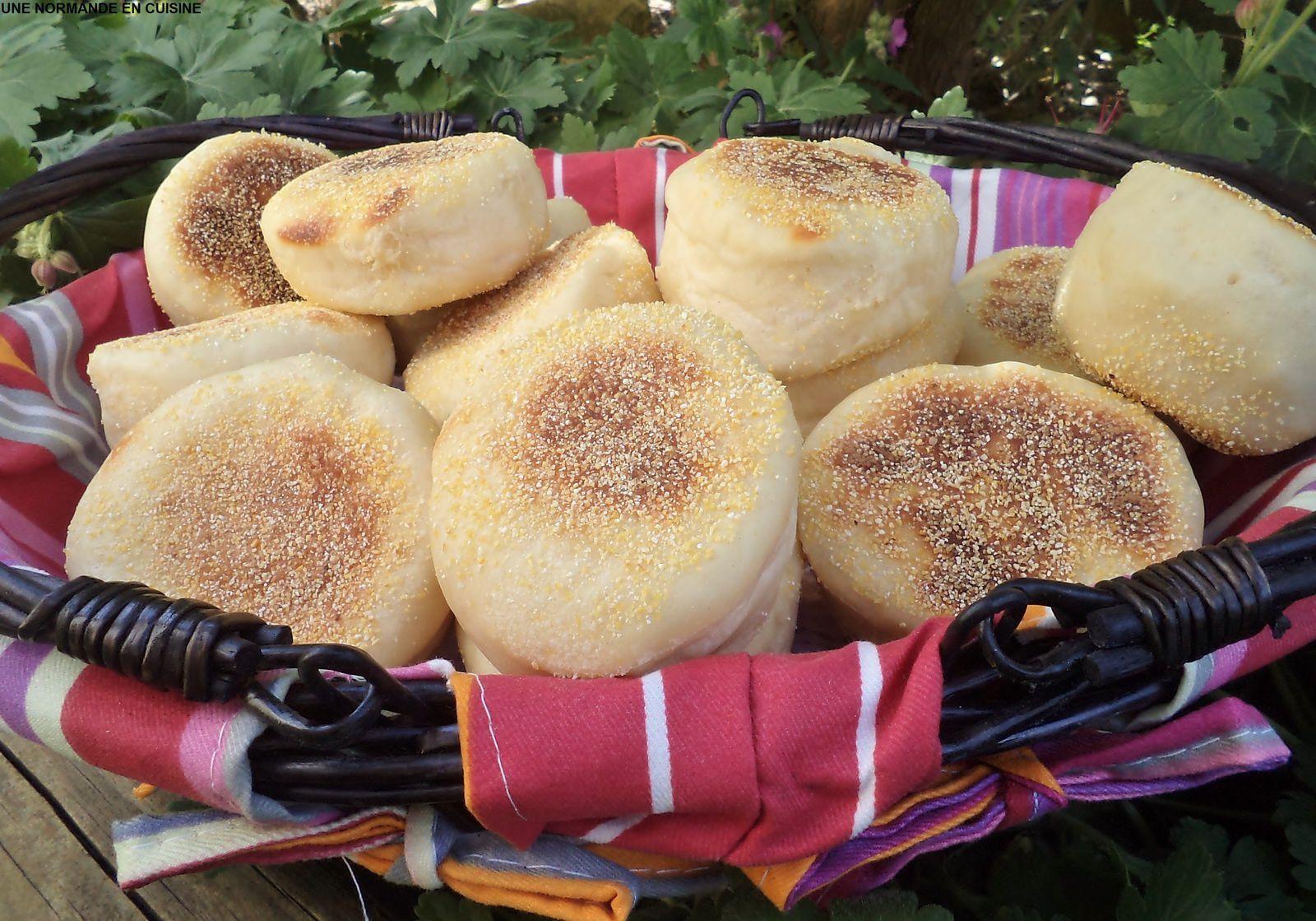 Pour 17 muffins, préparation:10 mn, pétrissage et attente :2h et cuisson :10 à 12 mn