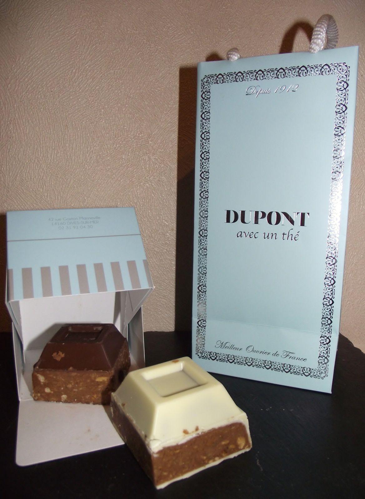 les chocolats dupont avec un th une normande en cuisine. Black Bedroom Furniture Sets. Home Design Ideas