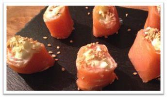 Roulés de saumon fumé, wasabi et pomme
