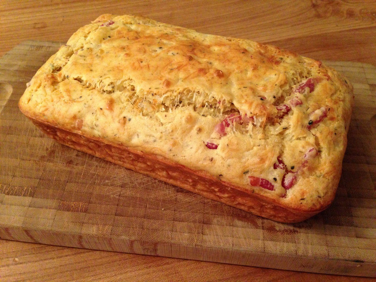 Cake aux lardons et au gruyère