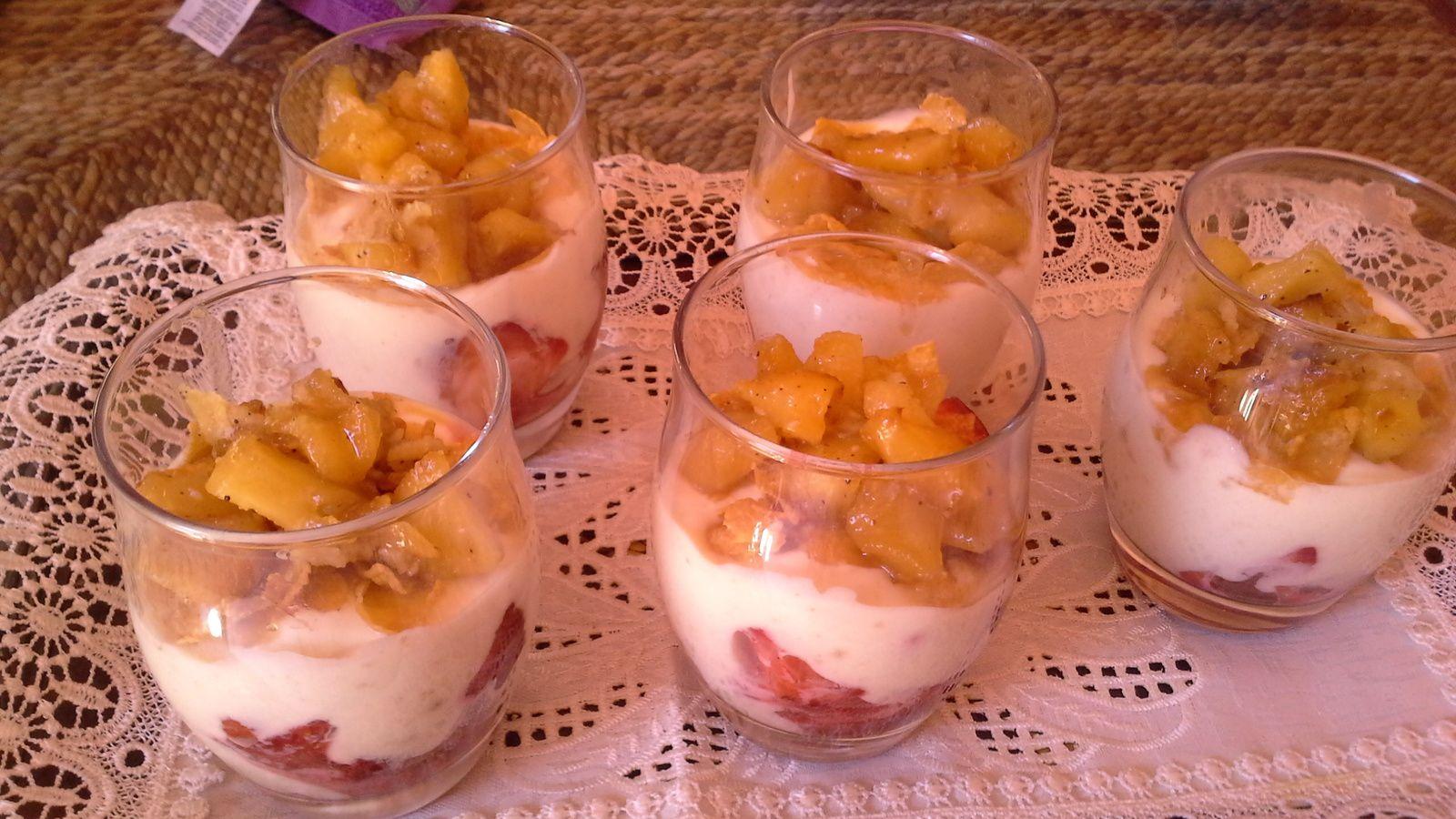 verrines au &quot&#x3B;yaghourt,fraises, pomme, speculoos&quot&#x3B;