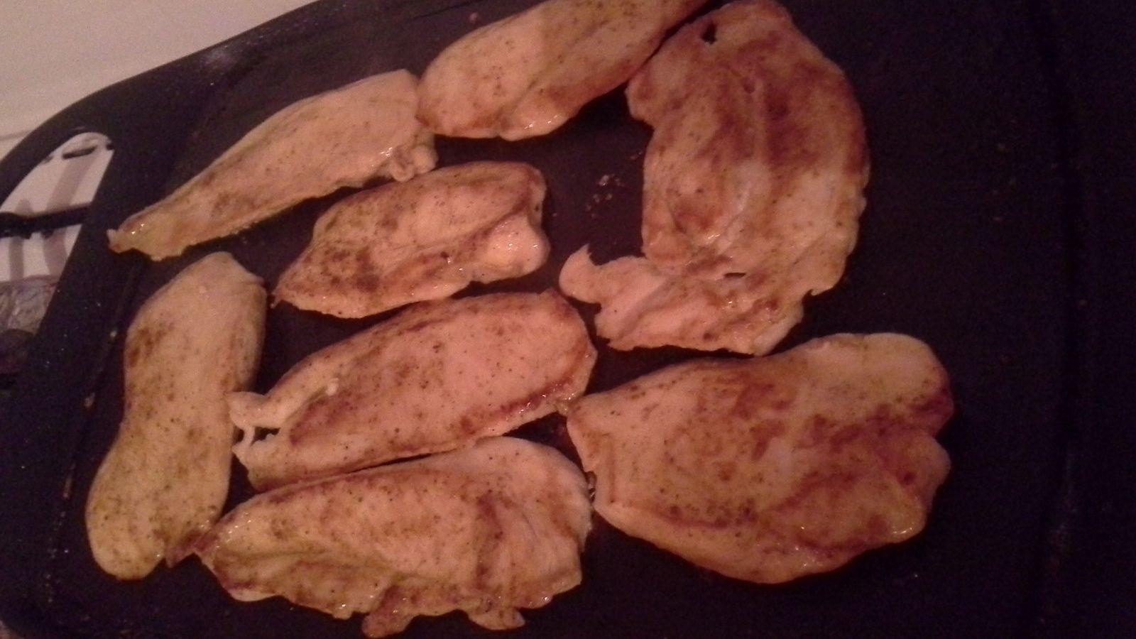 Brochette de viande de boeuf hachée et grillade de poulet