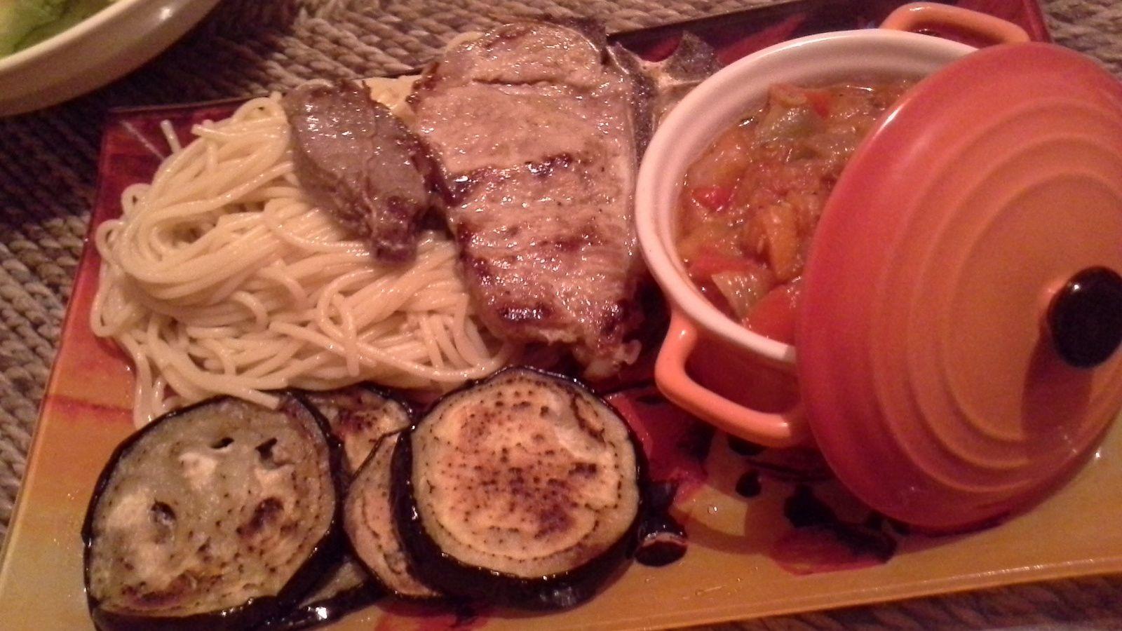 côtes de veau,filet de boeuf,aubergines à la plancha et leur ratatouille de légumes de saison.