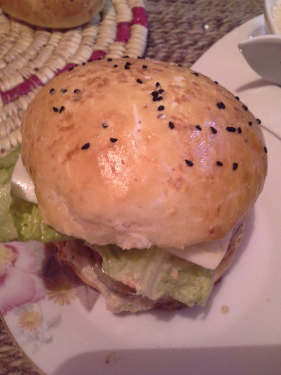 Burger &quot&#x3B;made home&quot&#x3B;