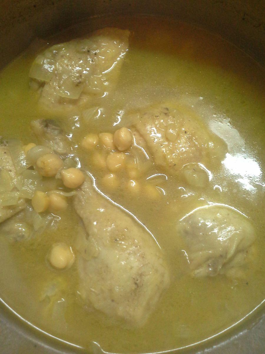 Couscous aux raisins secs et poulet