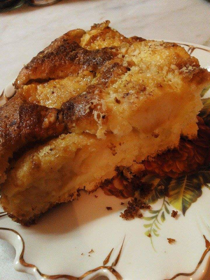 Gâteau  moelleux aux pommes et à la crème.