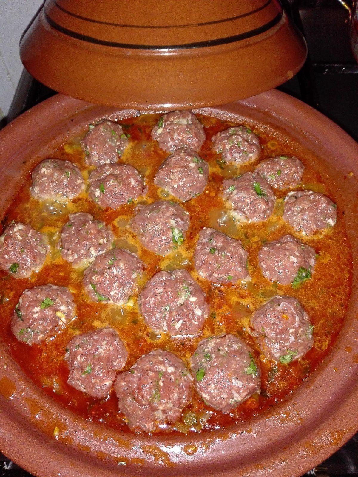 Tajine &quot&#x3B;aux boulettes,tomates et oeufs&quot&#x3B;