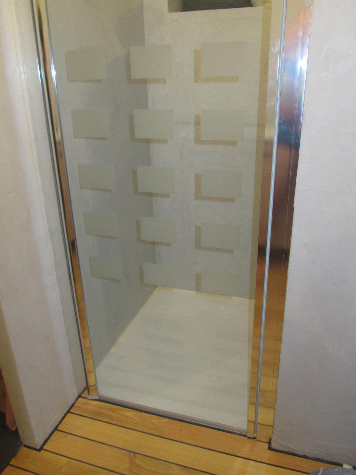 porte de douche sans cadre
