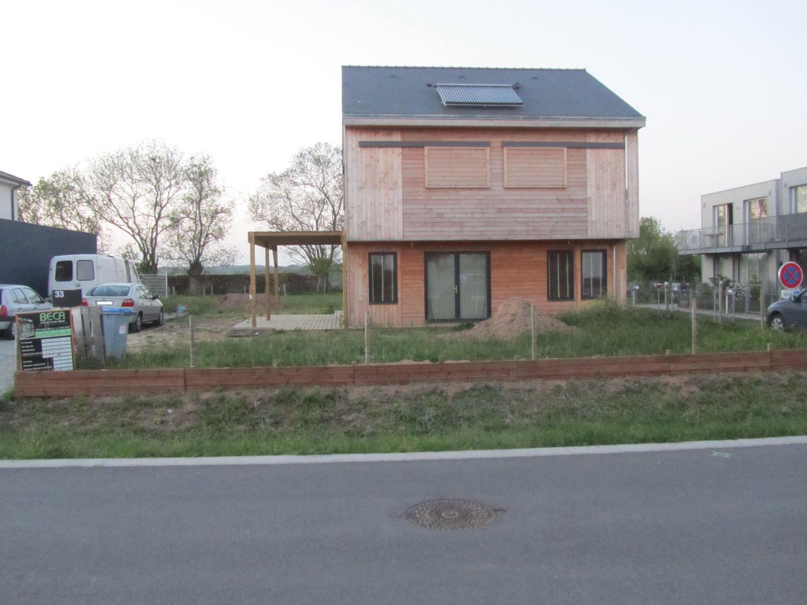 Couverture de la pergola et fabrication de retenue de terre maison paille passive44 over blog com # Retenue De Terre En Bois Autoclave