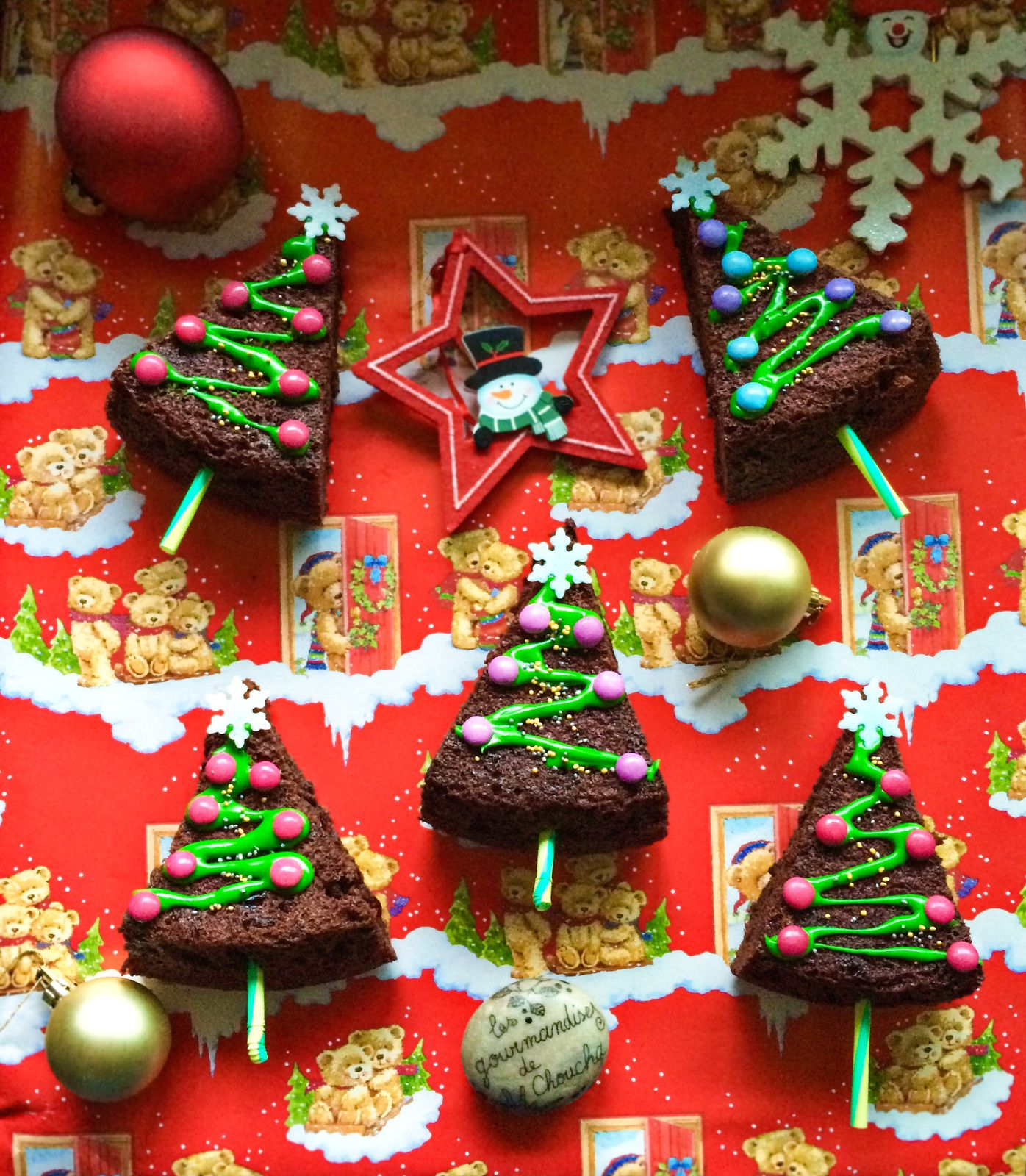 Brownies sapin de no l faire avec les enfants blogs de - Faire un sapin de noel en chocolat ...