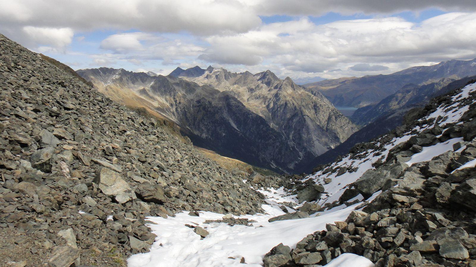 Brèche de Roche Fendue (2445m), boucle par le Lac de Crop et le Pas de la Coche