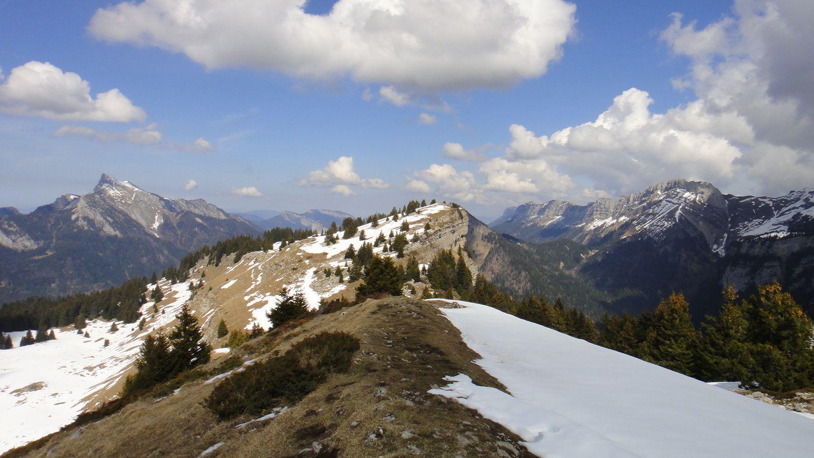 Pravouta (1760m), depuis St Nazaire les Eymes, par le Col de la Faita et le Col de Baure