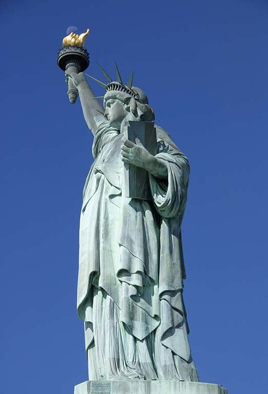 Visit of Statue of Liberty and Ellis Island Museum of Immigration (I highly recommend to book ticket in advance on their website and to go for an early morning visit to skip the horde of tourists)