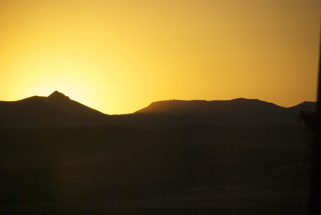 Dawn and 40 miles desert in Nevada