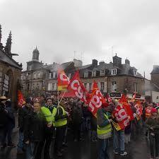 Vendredi, le tribunal de commerce de Coutances a une nouvelle fois repoussé son audience pour l'abattoir AIM, en redressement judiciaire. Un groupe industriel pourrait déposer d'ici là une offre de reprise. La reprise du travail pour lundi a été votée à Sainte-Cécile.