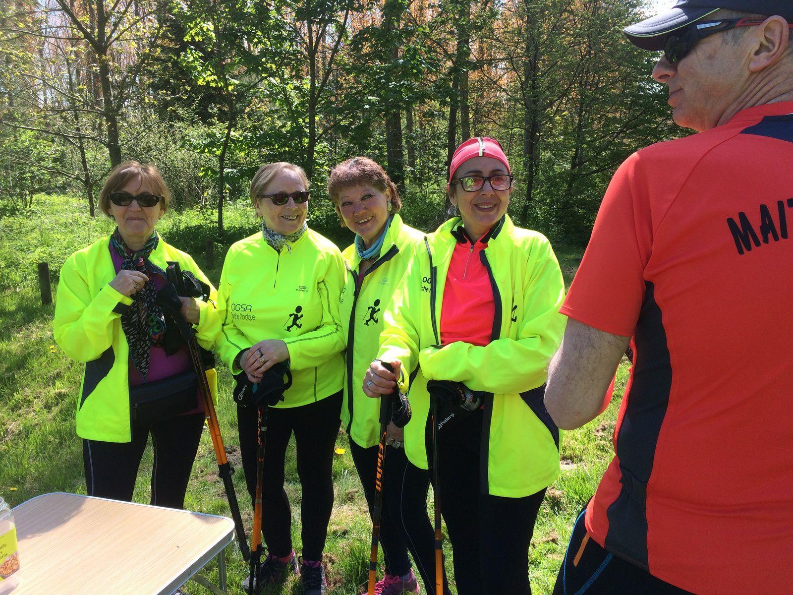 Un 1er mai sous le soleil au Bois des Forts et à Bergues