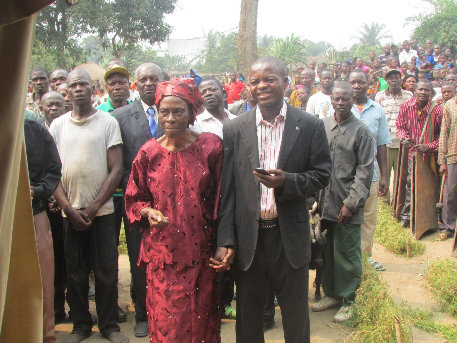 De G à D: Abbé Joseph LOKADI, Mgr Nicolas DJOMO et Mgr Albert HIOMBO.