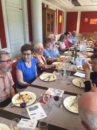 Repas festif à LA JONCQUIERE