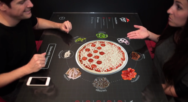 Confectionnez votre pizza en direct en mode tactile !