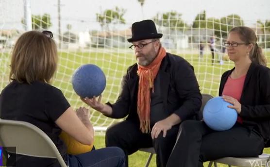 Ce ballon est soutenu par des célébrités. Sa résistance a été testé avec des lions !